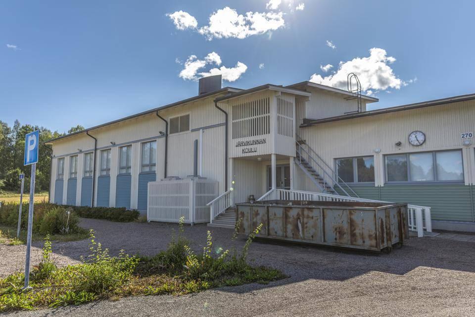 Seitsemän Sydän-Laukaan koulun oppilasta osallistui ystävänpäiväkilpailuun vuonna 2008. Kuvassa osa voittajakortista. Kuva: Arkistokuva